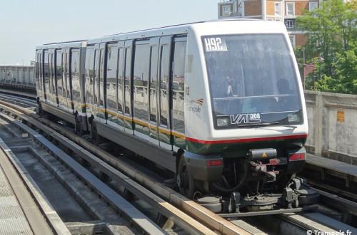 Ligne_1_du_métro_de_Lille_Métropole_-_Interstation_CHR_Oscar-Lambret_↔_CHR_B-Calmette_(02A)